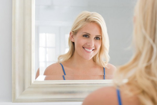 548a65b2d80dd_-_rbk-woman-smiling-mirror-xln