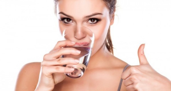 Beauty-and-health-benefits-of-drinking-water