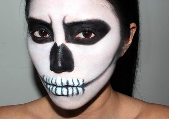 skeleton-halloween-makeup-look-today-151028_086b5a19373fb14a15c87b85229043fc-today-inline-large
