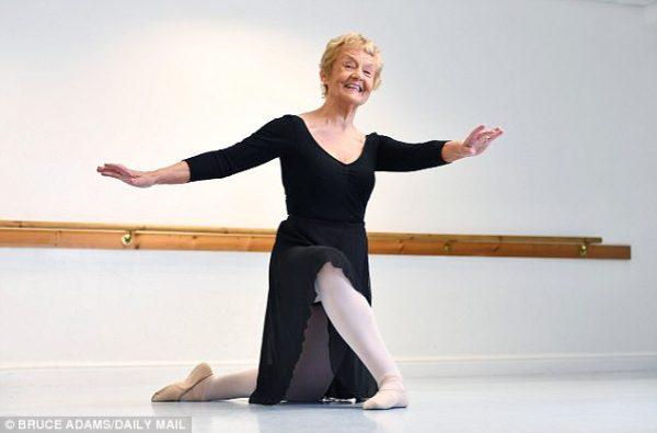 80 насандаа мэргэжлийн балетчин болжээ